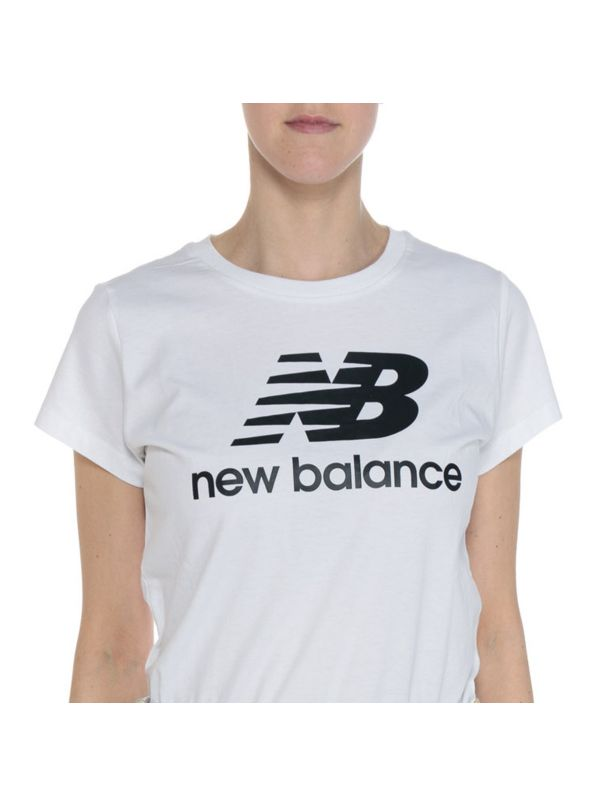 NEW BALANCE WT91546WK ESSENTIALS STACKED LOGO T-SHIRT